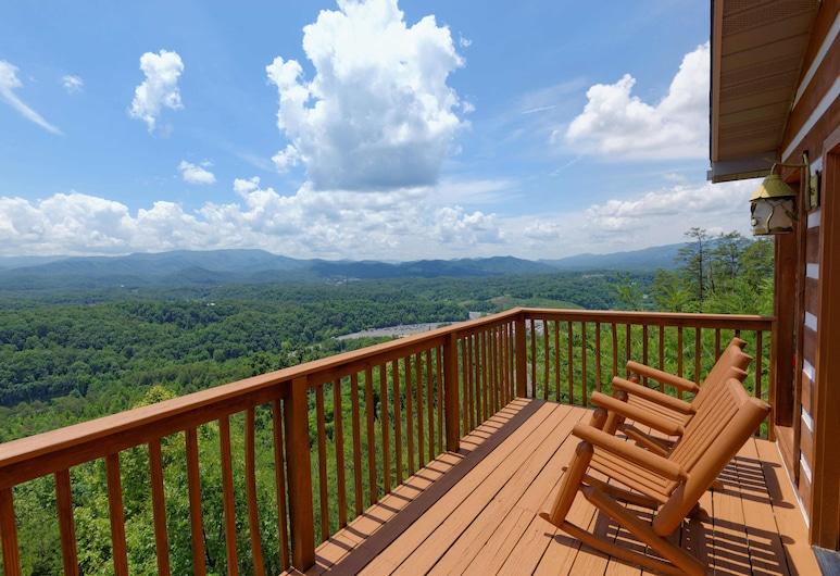 Amazing View #223 by Aunt Bug's Cabin Rentals, Sevierville, בקתה, 2 חדרי שינה, מרפסת