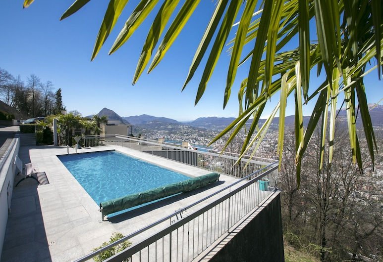 Monte Bre' Apartment, Lugano, Vanjski bazen