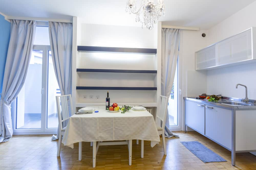 Family Apartment, 1 Double Bed with Sofa bed (Piccola Grecia 6) - In-Room Dining