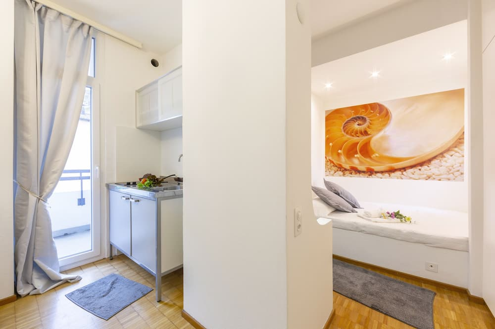 Family Apartment, 1 Double Bed with Sofa bed (Piccola Grecia 6) - Private kitchenette