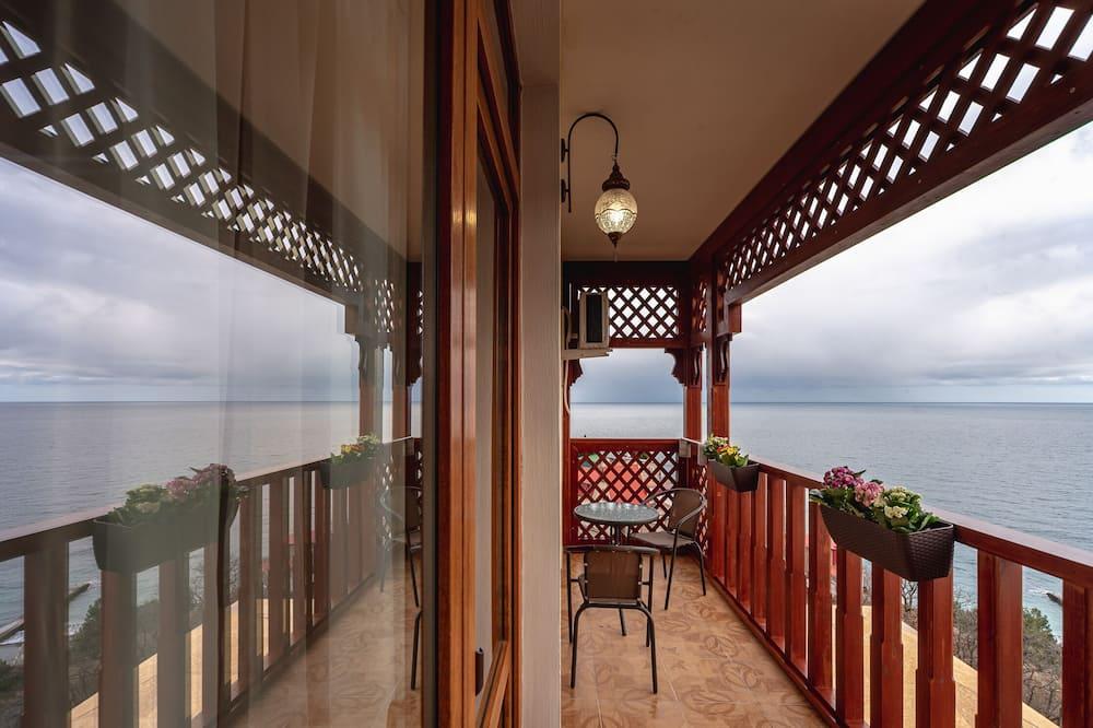 Family Quadruple Room, 1 Queen Bed with Sofa bed, Balcony, Beachfront - Balcony