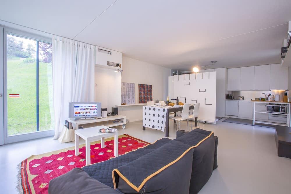 Familienapartment, 1Doppelbett und Schlafsofa, 2 Bäder, zum Garten hin (Arosio Open Space) - Wohnzimmer