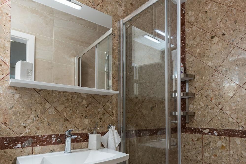 Dvivietis kambarys (Double Room with Terrace) - Vonios kambarys