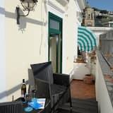 Deluxe Apartment, Balcony, Partial Sea View - Balcony