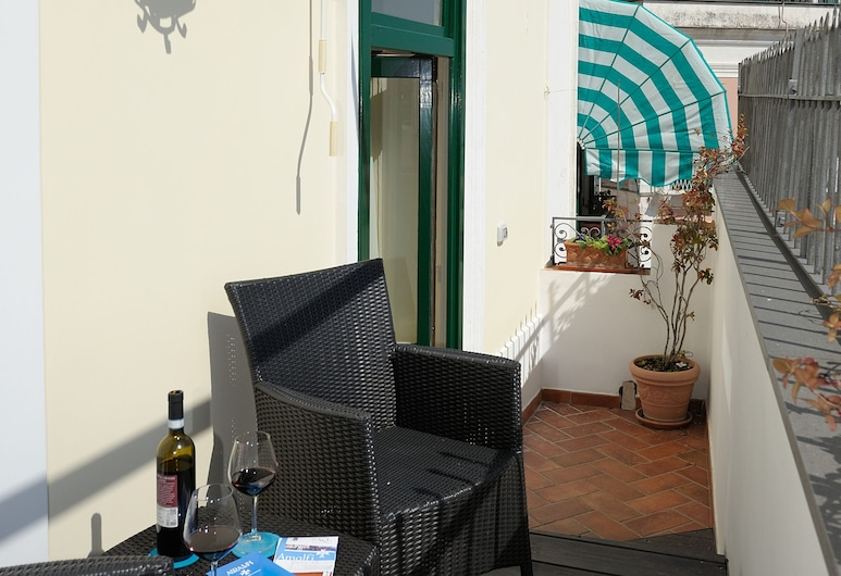 Amalfi Old Square, Amalfi, Deluxe Apartment, Balcony, Partial Sea View, Balcony