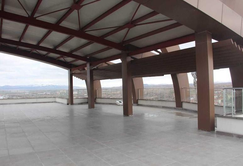 Cappadocia Plus Hotel, جولشير, تِراس/ فناء مرصوف