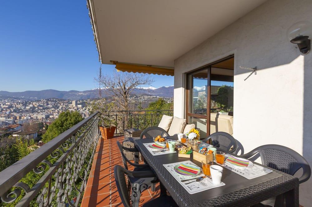 Family Apartment, Multiple Beds, 2 Bathrooms, Garden Area (Chiara's Home) - Balcony