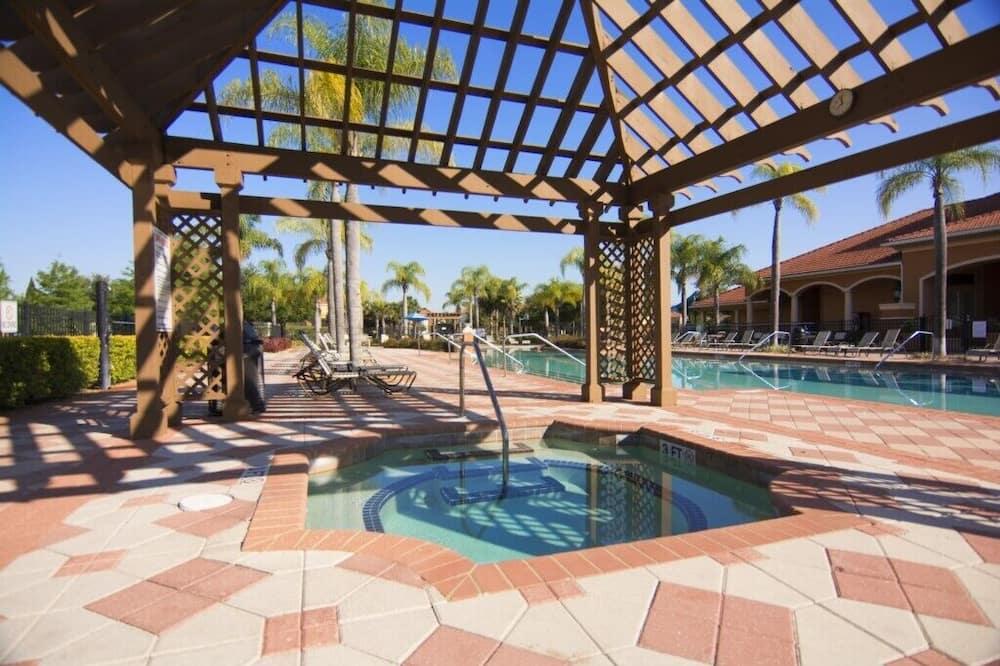 Ferienhaus (Wonderful 6 bed 5 bath House w Pool 1) - Pool