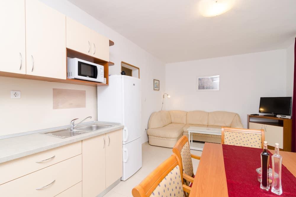 Standardni apartman, 1 spavaća soba, balkon, pogled na more - Dnevni boravak
