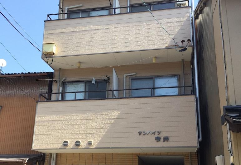 Kanazawa-Hachitabi Renri, Kanazawa