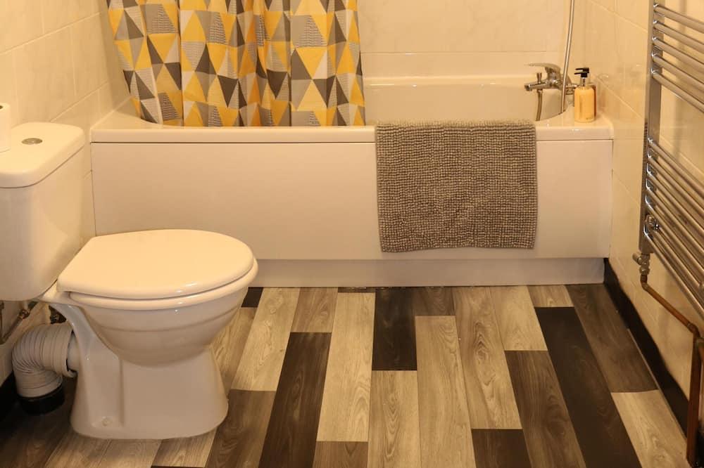 Business House, Private Bathroom (Large 3 Bedroom House) - Bathroom