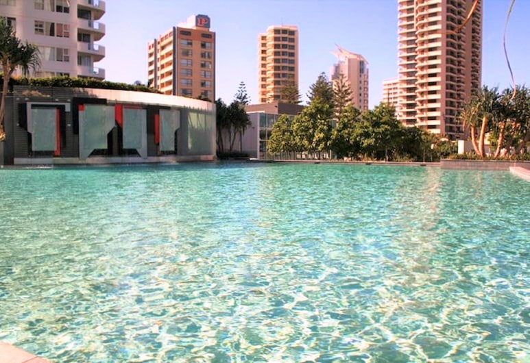 Q1 Resort - Holidays Gold Coast, سيرفرز بارادايس, حمّام سباحة خارجي