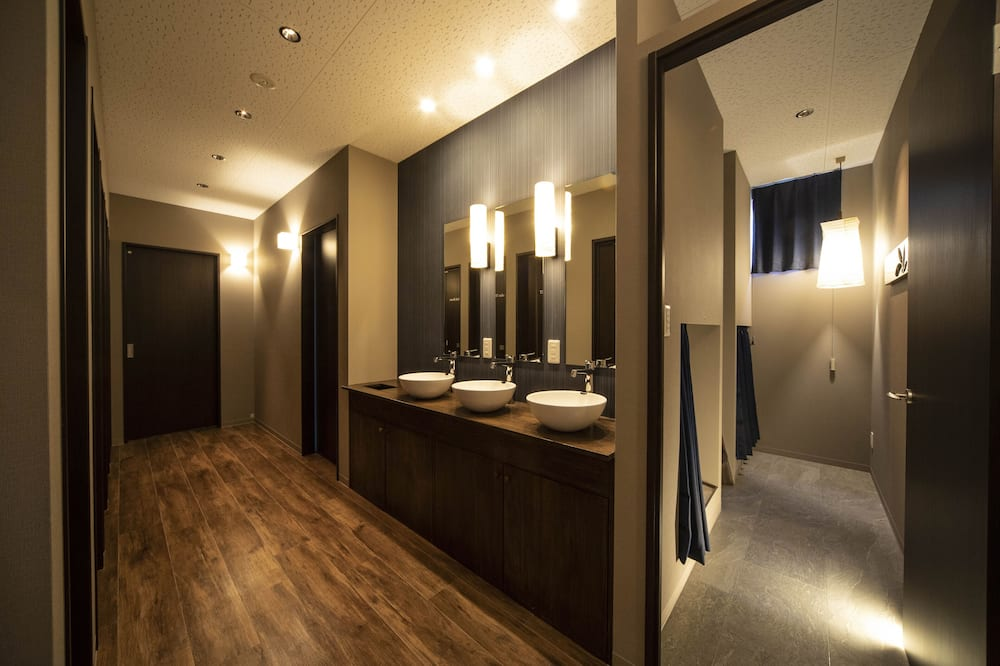 ドミトリー男女共用 - 共用バスルーム