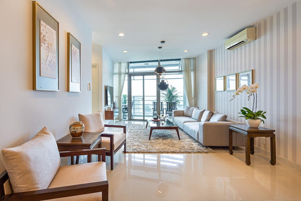Executive Apartment, 3 Bedrooms, City View (3 Bedrooms) - Living Room