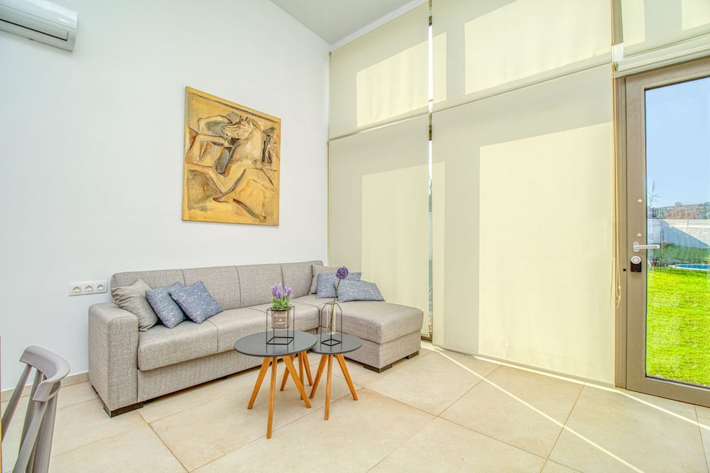 Villa (Cyma) - Living Room