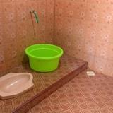Slaapzaal, Alleen voor mannen - Badkamer
