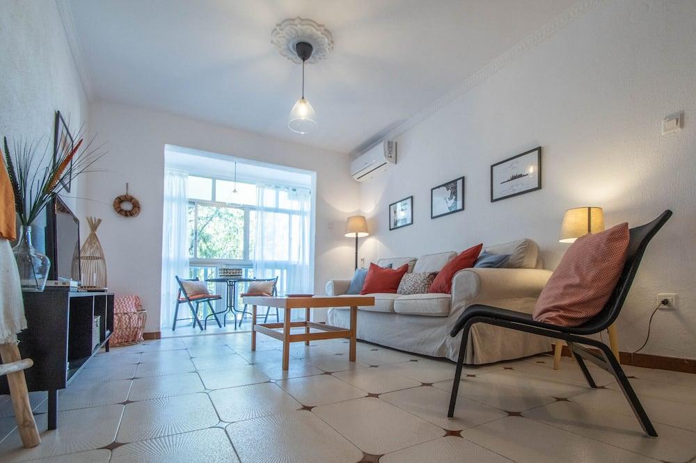 アパートメント 3 ベッドルーム - リビング エリア