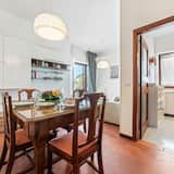 Apartment, 2 Bedrooms - In-Room Dining
