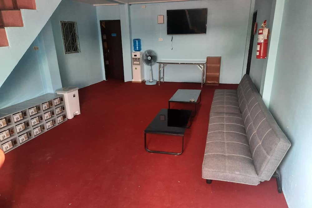 Shared Dormitory, Shared Bathroom - Living Room