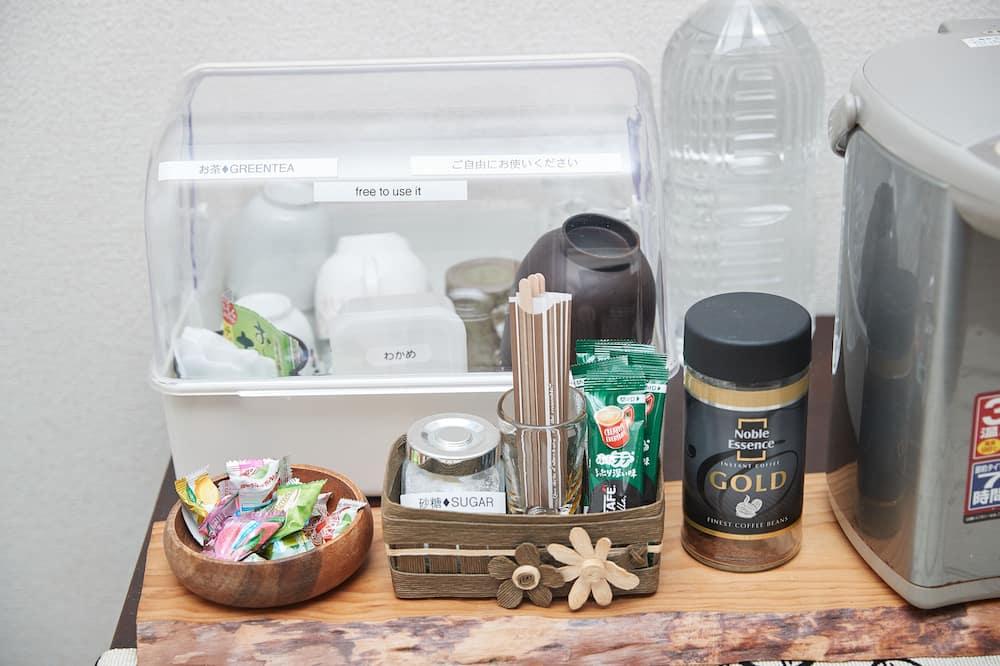 Izba (Semi Double, Only Shower) - Vybavenie spoločnej kuchyne