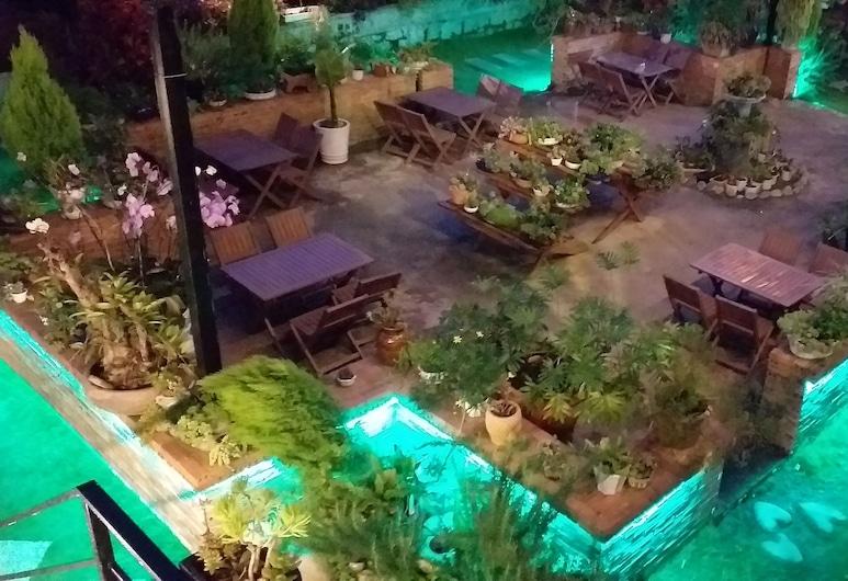 Khu Vườn Hoàng Gia Coffee & Homestay, Đà Lạt, Hiên