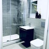 Apartmán, 1 veľké dvojlôžko s rozkladacou sedačkou - Kúpeľňa