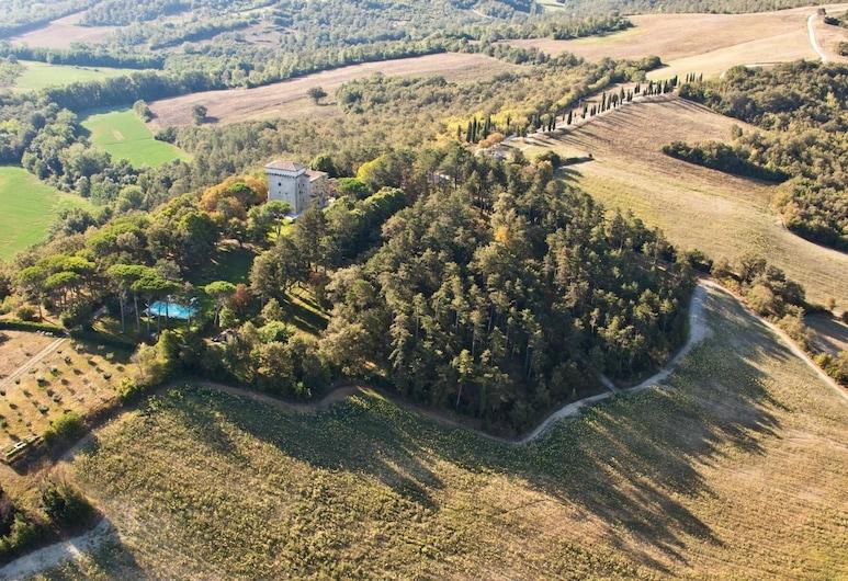 Castello Degli Arcieri, Gubbio, Property Grounds