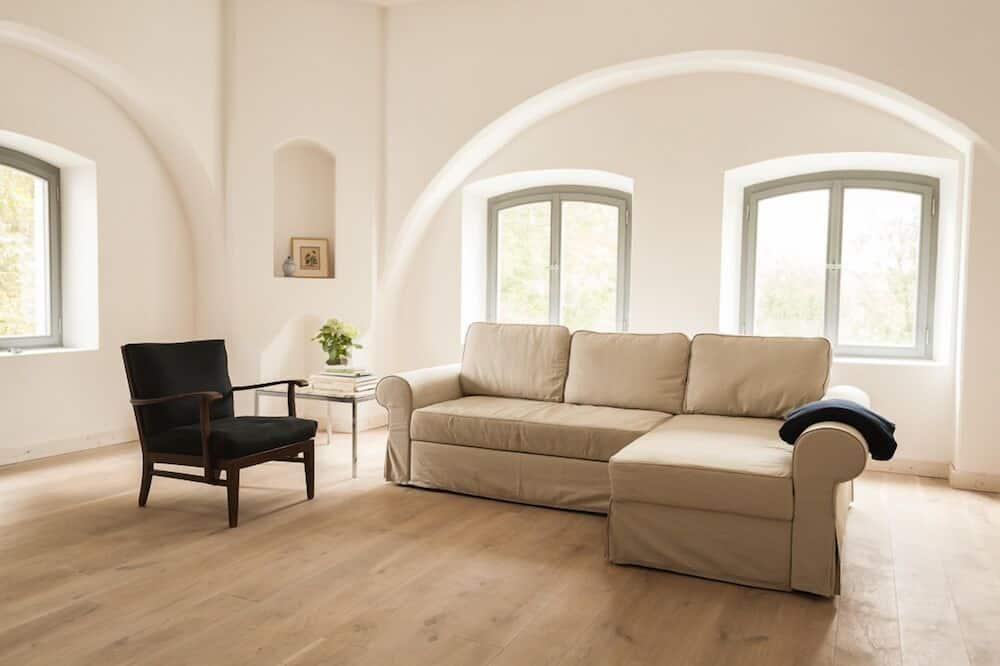 Apartment, 2 Bedrooms (1.OG, links) - Living Room