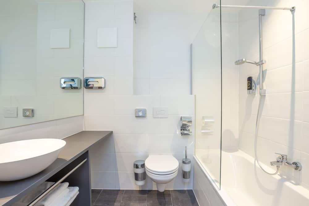 Premium Apartment, 1 Bedroom - Bathroom