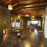 Luxury Double or Twin Room - Living Room
