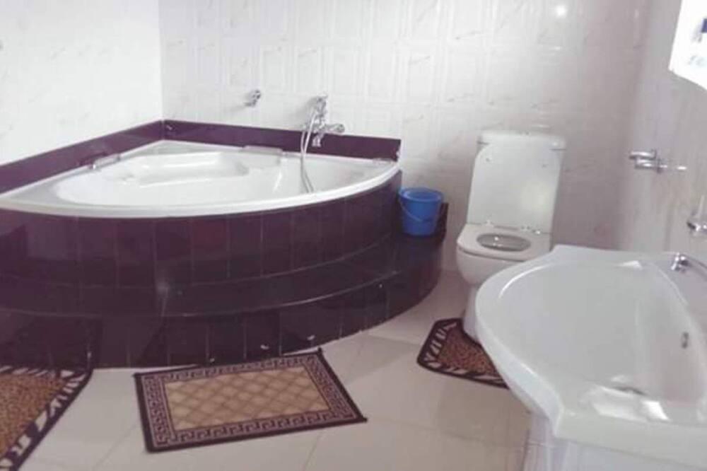 Rumah, Beberapa Tempat Tidur - Kamar mandi
