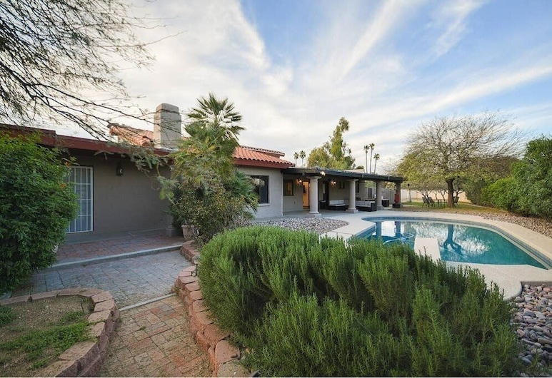 Tidy & Spotless Huge Paradise House - Private Pool & BBQ, Scottsdale, Interior