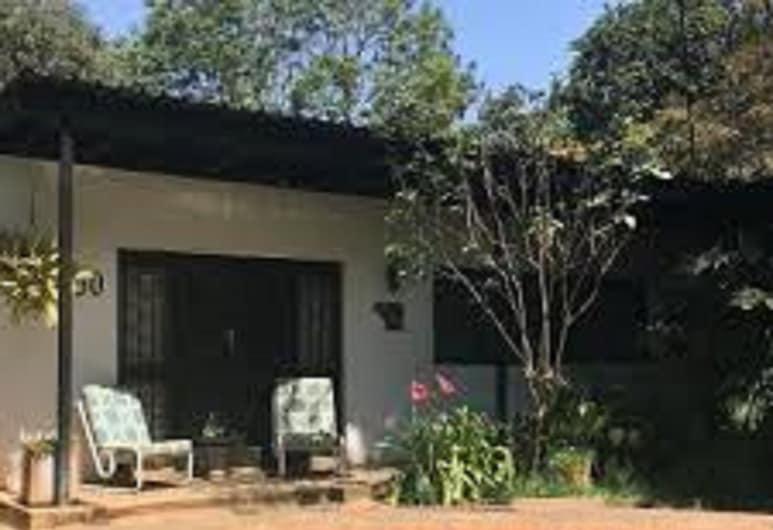 Muuka Gaderns lodge, Ndola, Outdoor Pool