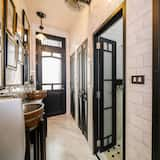 Junior Studio, Shared Bathroom - Bathroom