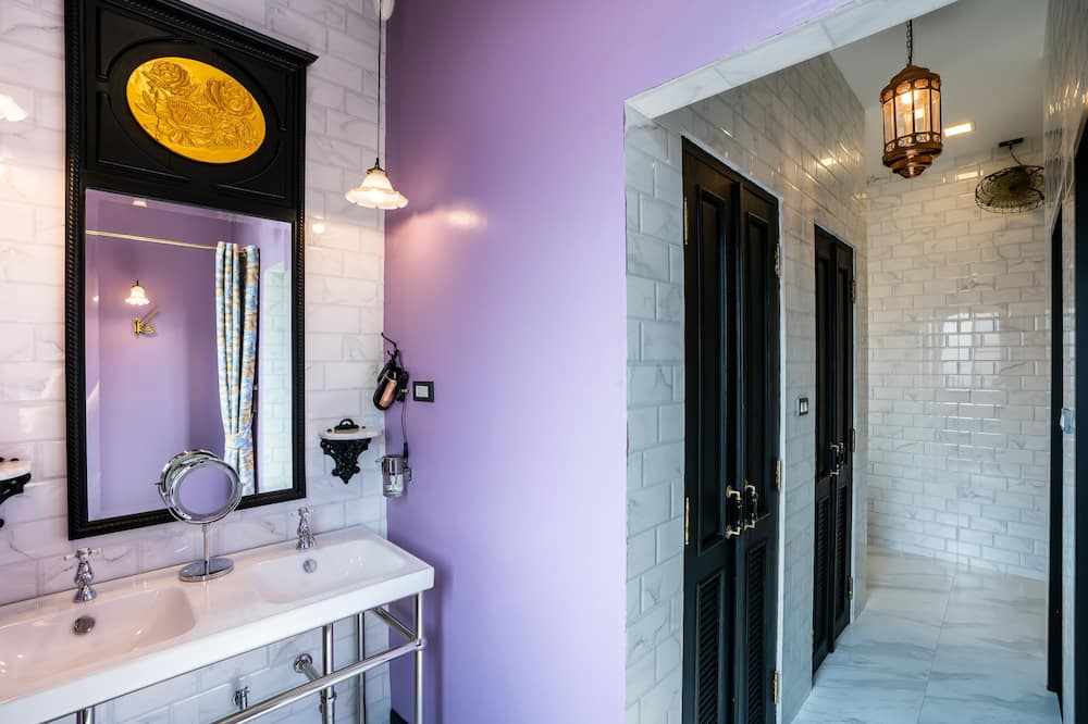 Junior Studio, Shared Bathroom - Shared bathroom