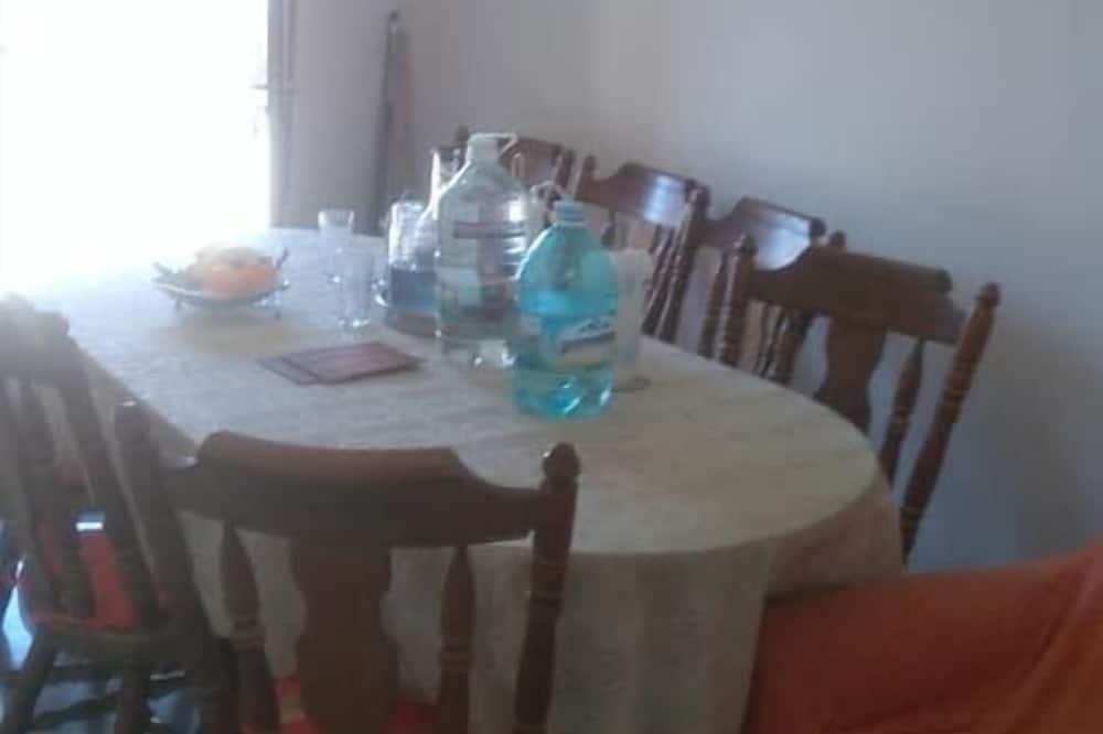 apartman, 1 hálószobával (A1) - Étkezés a szobában