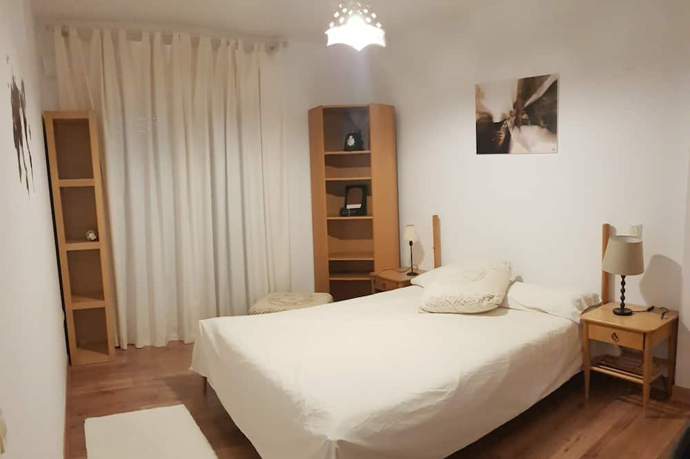 House, 3 Bedrooms - Room