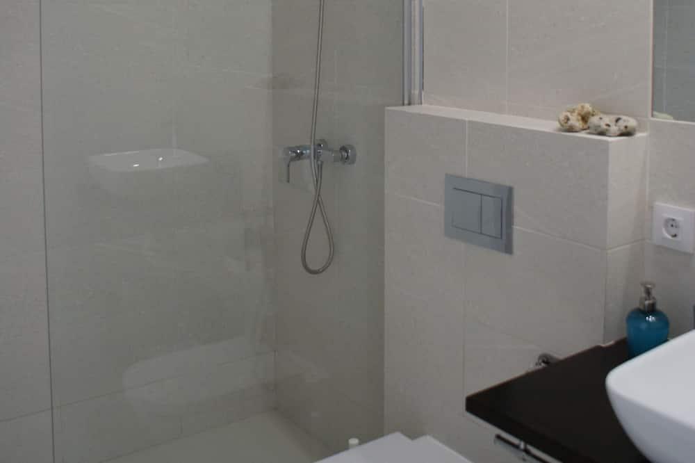ロフト ダブルベッド 1 台ソファーベッド付き - バスルーム