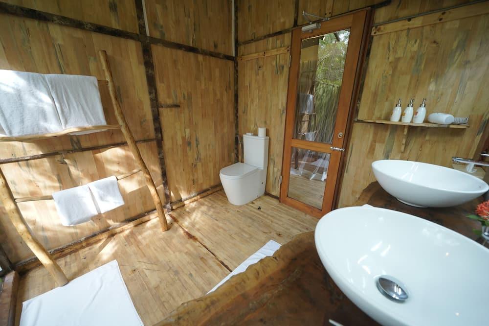 Familienzelt - Waschbecken im Bad
