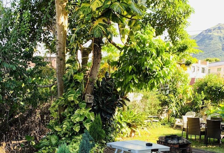 City Oasis Guesthouse, Tùng Chung, Vườn