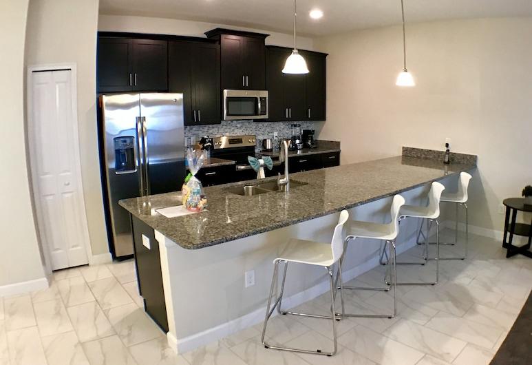3109 Storey Lake Resort  41270/44281, Kissimmee