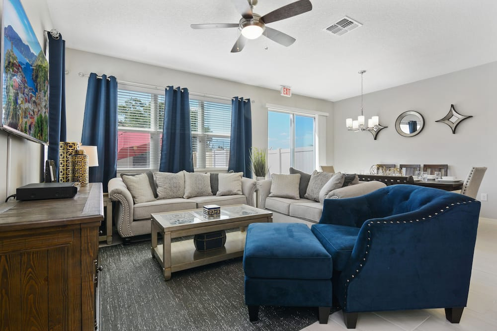 Townhome, 4 Bedrooms - Obývací prostor