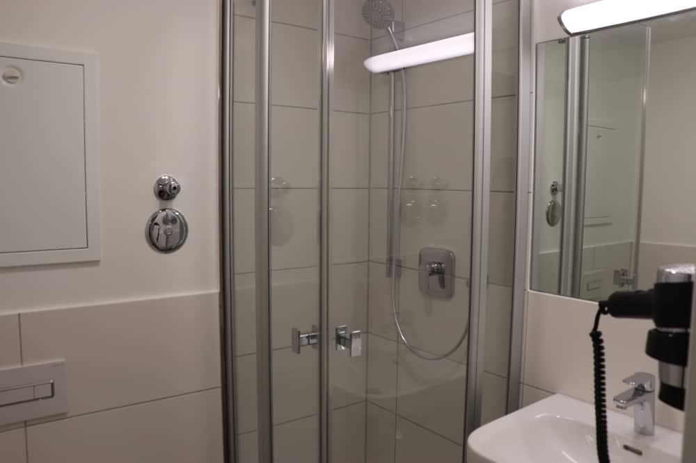Eenvoudige eenpersoonskamer - Badkamer