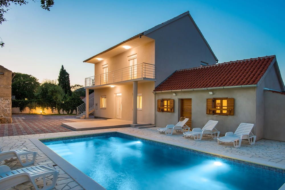 Lovely Holiday Home in Stankovci With Private Swimming Pool