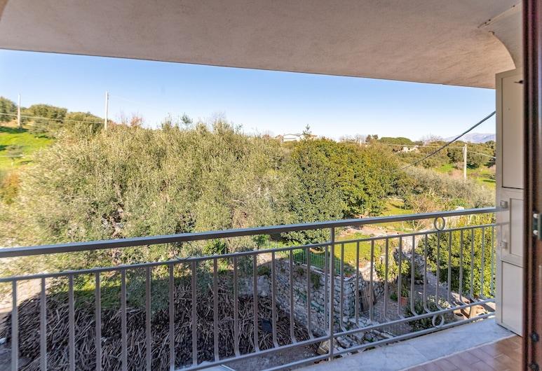 Marvelous Apartment in Bosco Near Town Centre, San Giovanni a Piro, Balkoni