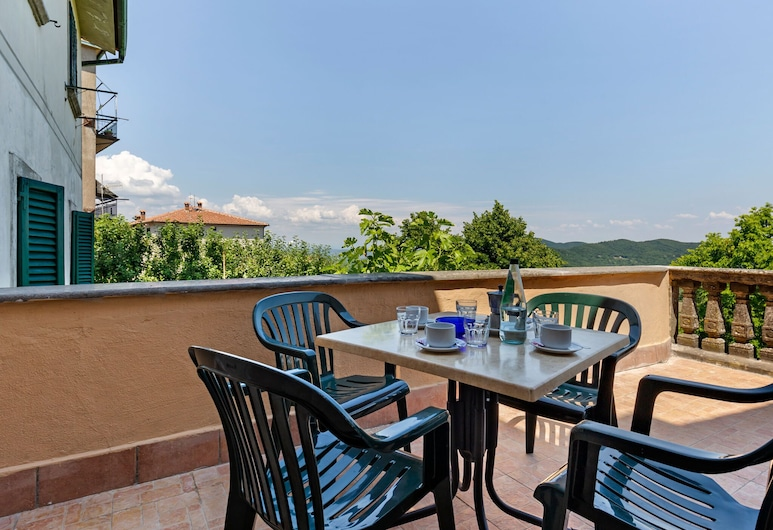Cutesy Apartment in Boccheggiano With Swimming Pool, Montieri, Balcón