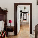 Guest Room in a Lavish Castle in Allier