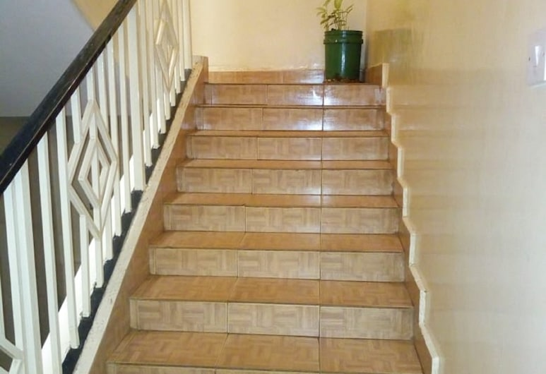 MID AFRICA HOTEL, Kitale, Escadas