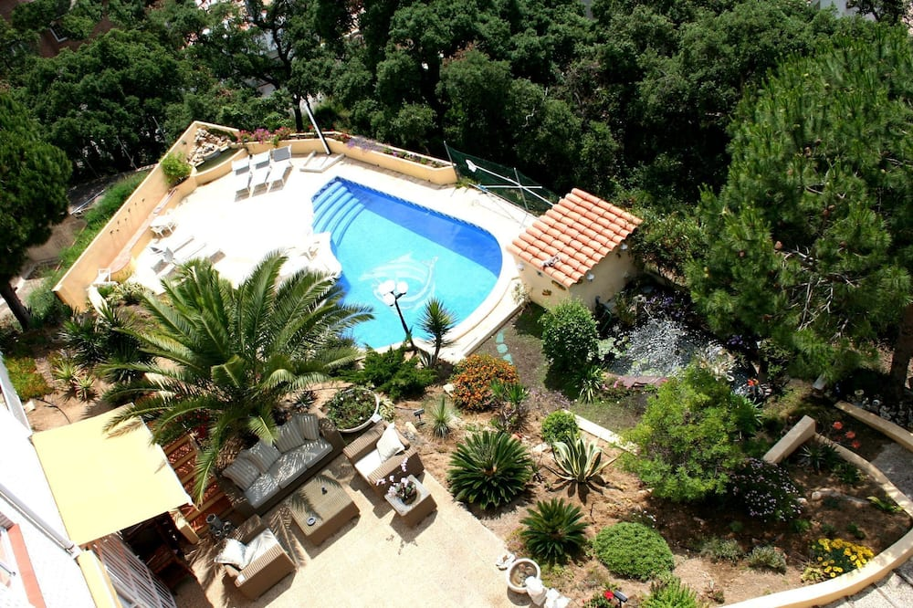 Lavish Holiday Home in Lloret de Mar With Private Pool