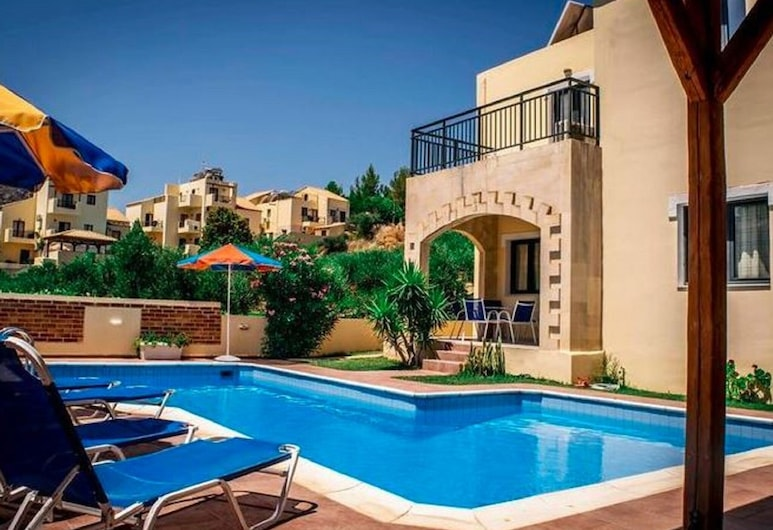 Cosy Holiday Home in Piscopiano With Private Pool, هيرسونيسوس